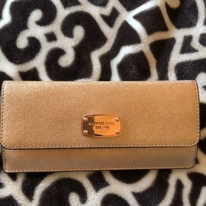Michael Kors Rose gold slim wallet